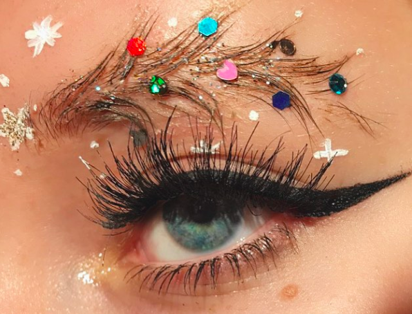 Christmas Tree Eyebrows.Christmas Tree Brows Are New Bizarre Beauty Trend