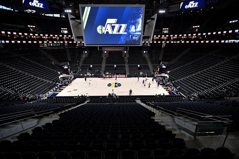 SALT LAKE CITY, UT - OCTOBER 19: General elevated view of the playing court prior to the game between the Golden State Warriors and the Utah Jazz at Vivint Smart Home Arena on October 19, 2018 in Salt Lake City, Utah. NOTE TO USER: User expressly acknowledges and agrees that, by downloading and or using this photograph, User is consenting to the terms and conditions of the Getty Images License Agreement. (Photo by Gene Sweeney Jr./Getty Images)