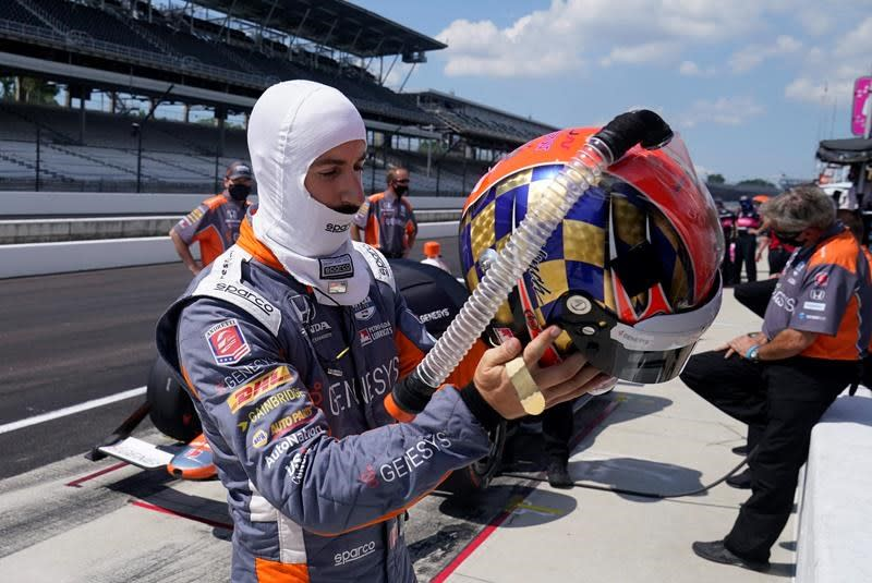 Hinchcliffe back at Indy 500 with plenty riding on outcome