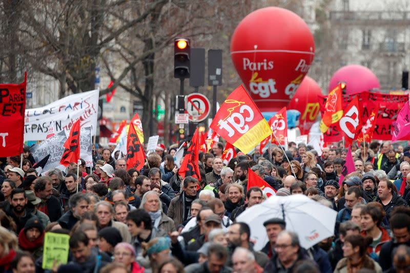 France faces its fifteenth consecutive day of strikes