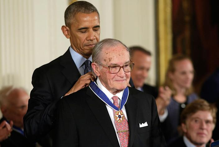 <p>President Obama awards attorney Newt Minow the Presidential Medal of Freedom during a ceremony in the East Room of the White House, Nov. 22, 2016. (Yuri Gripas/Reuters) </p>