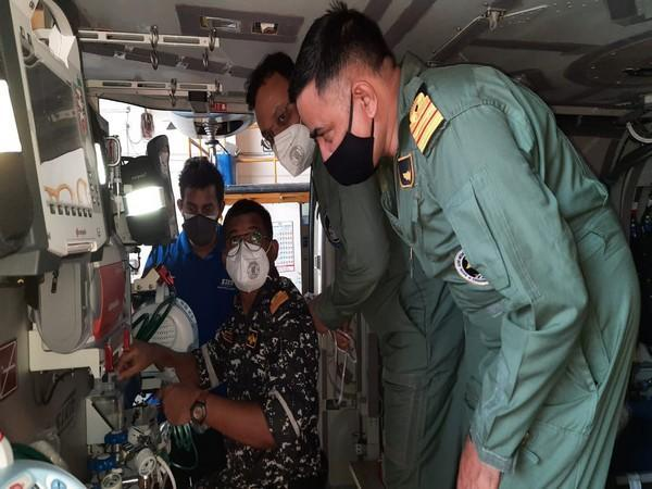 A MICU installed onboard an ALH Mk III aircraft from the Indian Naval Air Squadron.