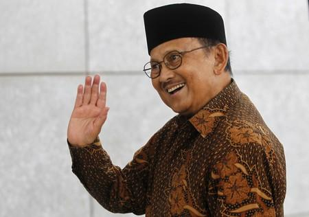 FILE PHOTO: Former Indonesian president B. J. Habibie waves as he arrives for a ceremony to officially open the new Australian embassy in Jakarta, Indonesia