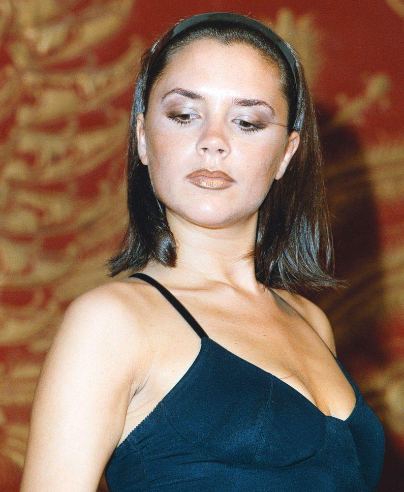 <p>We can't think of the Nineties without remembering the world's Spice Girls obsession - in particular, Posh Spice's two-toned lip. </p>