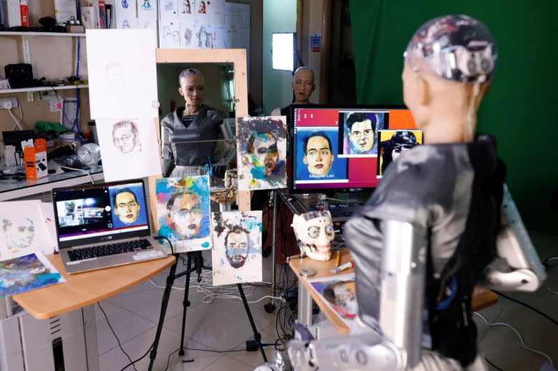 Sophia the robot to auction off her AI artwork