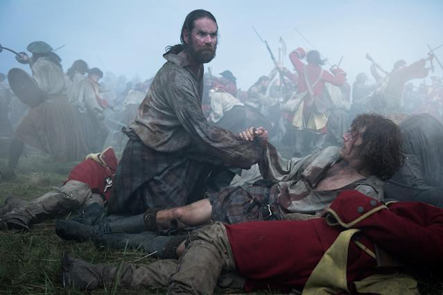 Duncan Lacroix as Murtagh Fitzgibbons and Sam Heughan as Jamie Fraser in <i>Outlander</i>. (Photo: Starz)