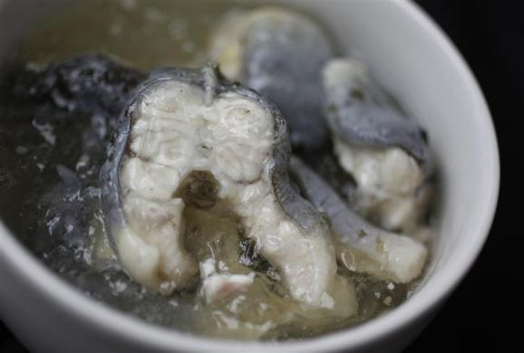 A traditional British snack of jellied eels.