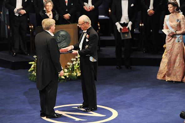 Nobel Prize winner stopped by TSA airport security over his medal