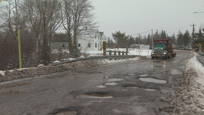 Rural Nova Scotia road in such bad shape it could delay gold mine work