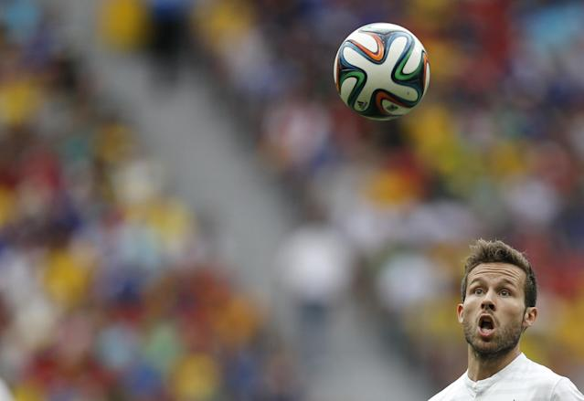 France's Yohan Cabaye runs for the ball during their 2014 World Cup round of 16 game against Nigeria at the Brasilia national stadium in Brasilia June 30, 2014.REUTERS/Ueslei Marcelino (BRAZIL - Tags: SOCCER SPORT WORLD CUP)