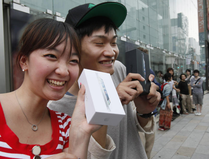 iPhone 5 launch draws Apple fans worldwide