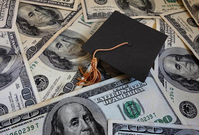 Get creative with how you give graduation money.
