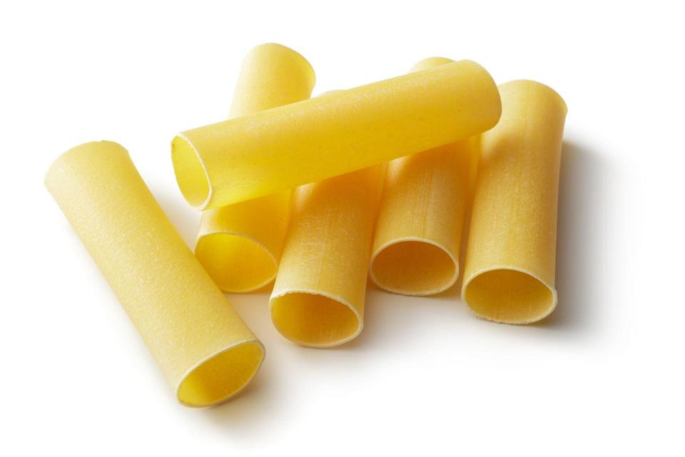 <p><strong>Category: </strong>Tubular pasta<br><strong>Pronunciation: </strong>Kan-uh-low-nee<br><strong>Literal meaning: </strong>Large reeds<br><strong>Typical pasta cooking time: </strong>7-10 minutes</p>