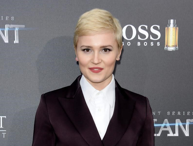 Free e-book includes excerpts from new Veronica Roth novel