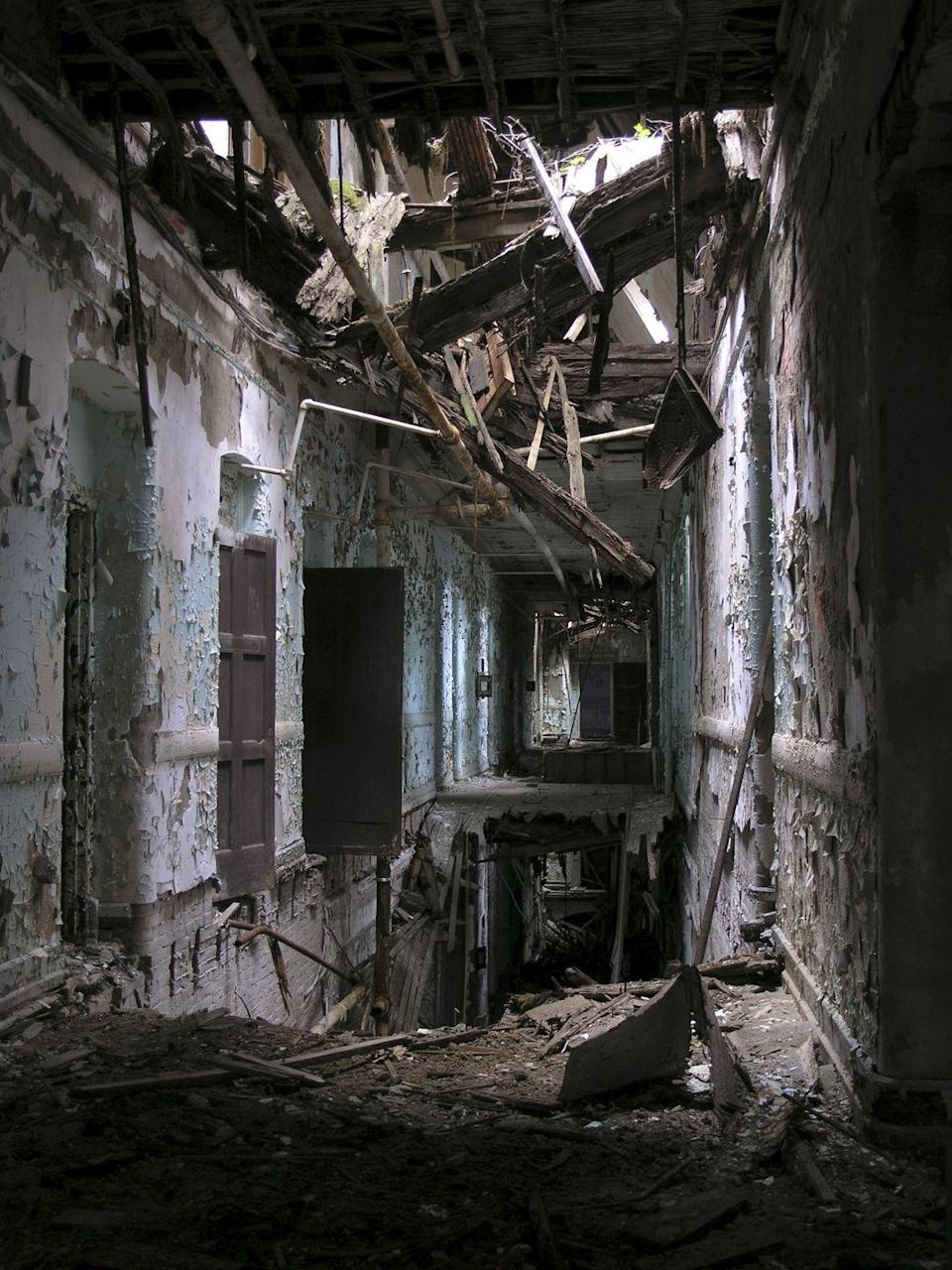 <p>A collapsed passageway makes certain doors inaccessible.</p>