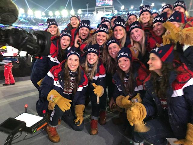 <p>hilaryknight: Hi Mom! On stage w USA #OpeningCeremony #Olympics #pyeongchang2018 #TeamUSA (Photo via Instagram/hilaryknight) </p>