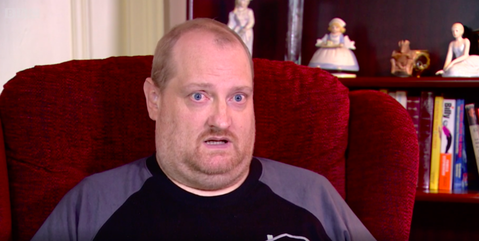 Scott Miller woke from his coma to find his family had died from coronavirus. (BBC)