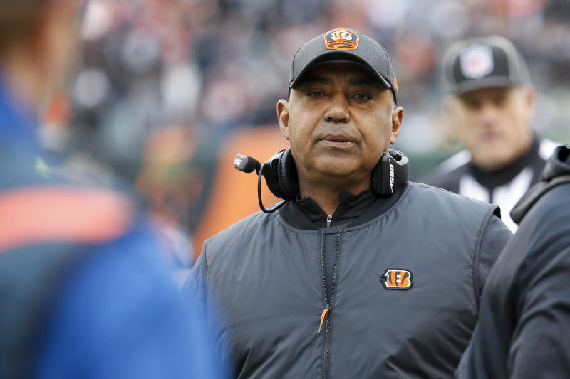 Cincinnati Bengals head coach Marvin Lewis stands on the sideline in the first half of an NFL football game against the Oakland Raiders, Sunday, Dec. 16, 2018, in Cincinnati. (AP Photo/Frank Victores)