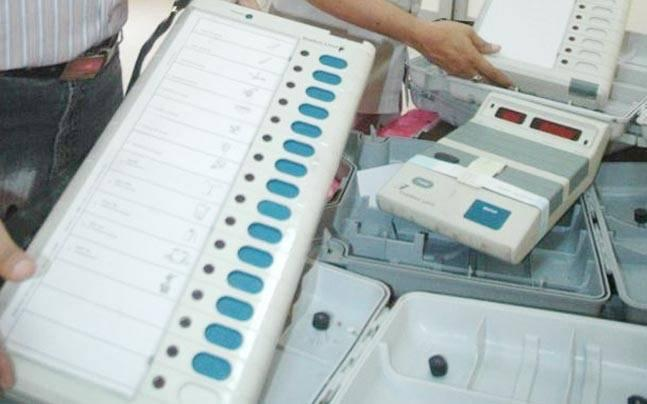 Supreme Court notice to poll panel, Centre on plea challenging use of EVMs without paper trail