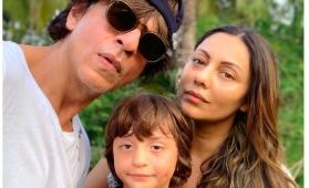 SRK's adorable Diwali celebration with AbRam and Gauri Khan shows he is the perfect family man
