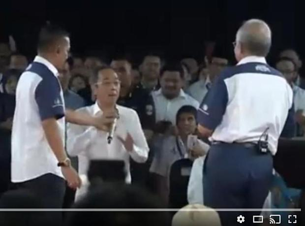 Datuk David Teo was slapped by veteran actor Sulaiman Yassin at the National Transformation 2050 (TN50) dialogue session in Seri Perdana, May 17, 2017. — YouTube screenshot