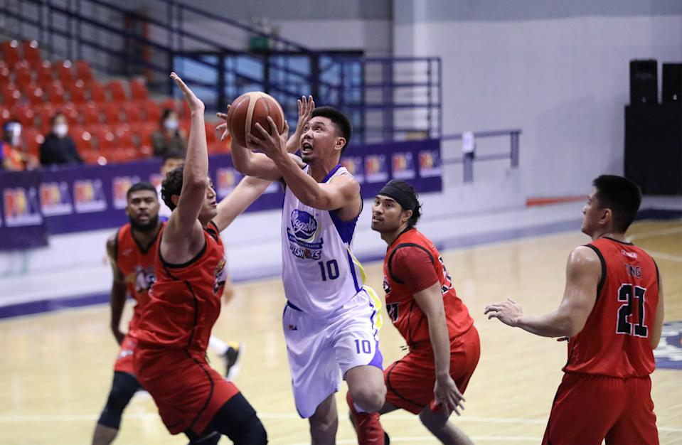 Ian Sangalang scores the winner to lift Magnolia over Alaska in the 2021 PBA Philippine Cup. (Photo: PBA Images)