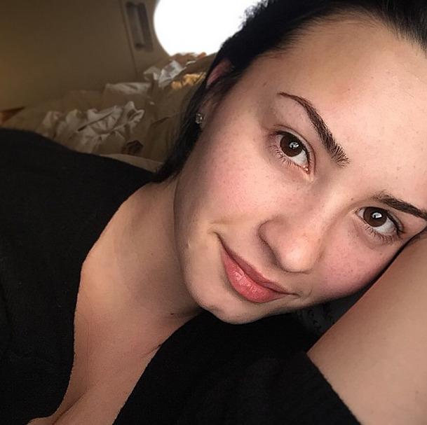 """<p>Lovato's makeup free selfie from was captioned: """"#NoMakeupMonday… Why? Cause we deserve to show the world our beauty and our confidence!!!"""" (<i>Photo: Instagram)</i></p>"""