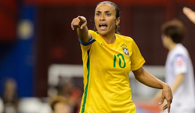 The 31-year-old joins the NWSL side after several seasons in Sweden.