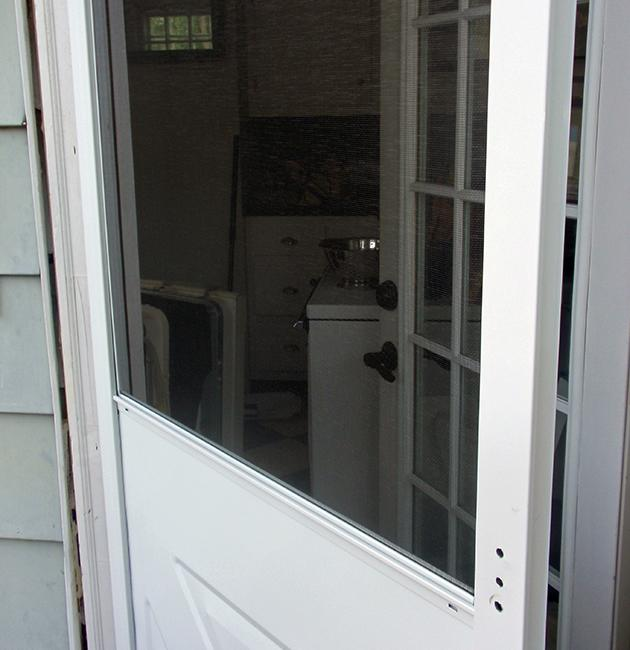 To save a few bucks, I installed this new screen door myself. But I still spent $100 on it at Home Depot, and that's just a fraction of what I've spent lately at the hardware chain. I'm not the only one: Home Depot's sales and profits have been rising nicely in recent months, and its stock price is up more than 25% so far this year.