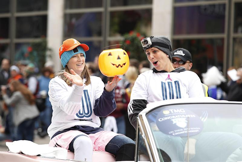 Minnesota Lynx celebrate WNBA title with parade