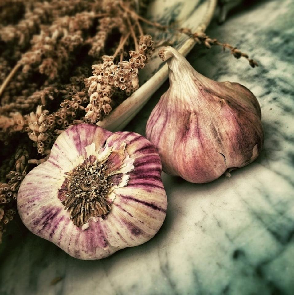 <p>A small amount of garlic will help activate liver enzymes that can flush out toxins. Garlic also contains high amounts of natural compoundsallicin and selenium, that aid in liver cleansing.</p><p><i>[Photo: Pexels]</i></p>