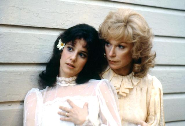 Debra Winger and Shirley MacLaine pictured on the set of the 1983 movie <em>Terms of Endearment</em>. (Photo: Sunset Boulevard/Corbis via Getty Images)