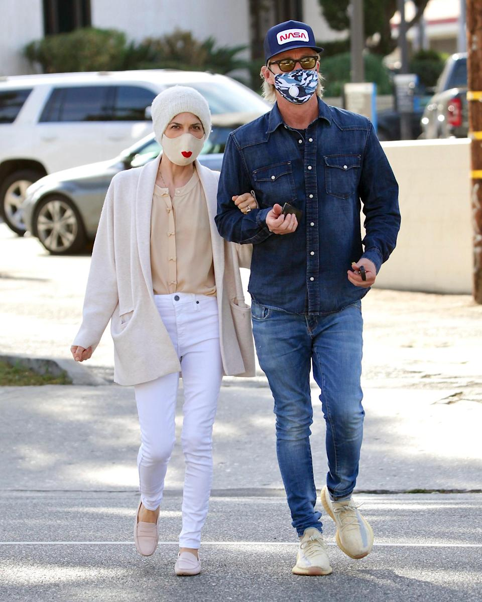 <p>Selma Blair and her boyfriend Ron Carlson coordinated their masks with their outfits during a coffee run in Los Angeles.</p>
