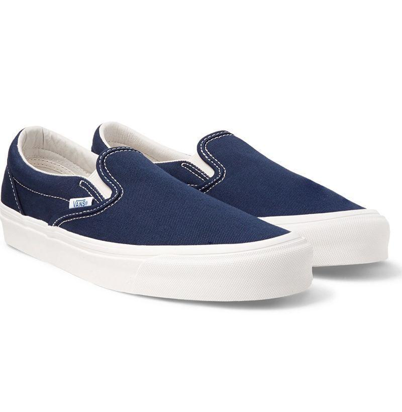 """<p><strong>Vans</strong></p><p>mrporter.com</p><p><strong>$36.00</strong></p><p><a href=""""https://go.redirectingat.com?id=74968X1596630&url=https%3A%2F%2Fwww.mrporter.com%2Fen-us%2Fmens%2Fproduct%2Fvans%2Fshoes%2Flow-top-sneakers%2Fog-classic-lx-canvas-slip-on-sneakers%2F666467151991674&sref=https%3A%2F%2Fwww.esquire.com%2Fstyle%2Fmens-fashion%2Fg33032327%2Fcheap-july-4-sales-mens-fashion%2F"""" rel=""""nofollow noopener"""" target=""""_blank"""" data-ylk=""""slk:Buy"""" class=""""link rapid-noclick-resp"""">Buy</a></p><p>Still one of the best <a href=""""https://www.esquire.com/style/mens-fashion/g32098948/best-slip-on-sneakers-men/"""" rel=""""nofollow noopener"""" target=""""_blank"""" data-ylk=""""slk:slip-ons"""" class=""""link rapid-noclick-resp"""">slip-ons</a> out there, now at an even more palatable price. </p>"""