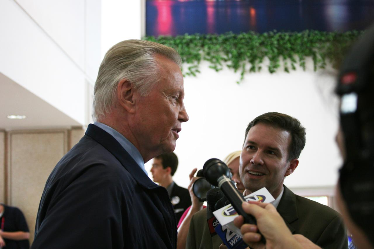 Actor John Voight talks to the press on his way to an interview at the media filing center for the Republican National Convention on Wednesday, Aug. 29, 2012. (Torrey AndersonSchoepe/Yahoo! News)