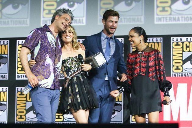 <p>Taika Waititi, Natalie Portman, Chris Hemsworth et Tessa Thompson.</p>