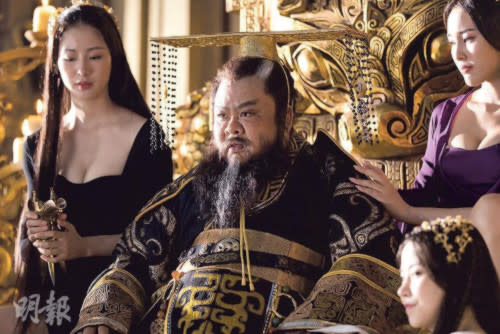 Lam Suet gets to be surrounded by beautiful ladies for his role