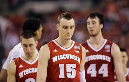 Wisconsin players react during the second half of Monday's loss. (AP)