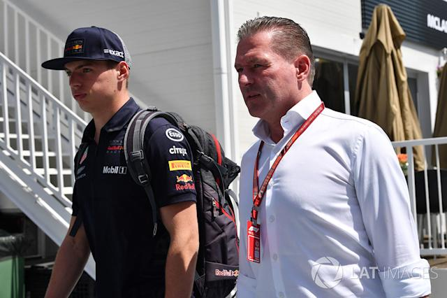"Max Verstappen, Red Bull Racing con il padre Jos Verstappen <span class=""copyright"">Sutton Motorsport Images</span>"