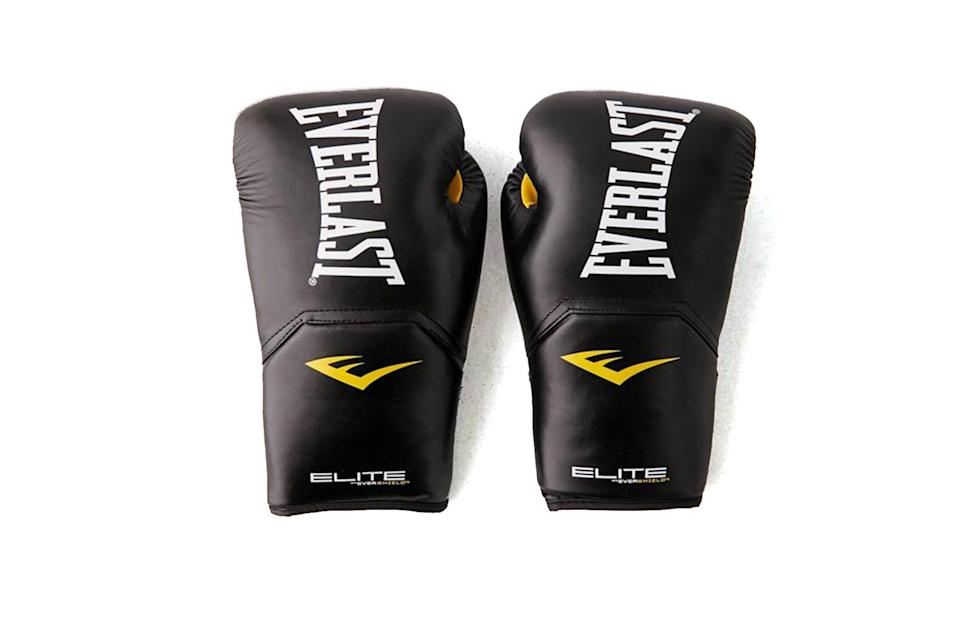 "$50, Urban Outfitters. <a href=""https://www.urbanoutfitters.com/shop/everlast-elite-training-14-oz-boxing-glove"" rel=""nofollow noopener"" target=""_blank"" data-ylk=""slk:Get it now!"" class=""link rapid-noclick-resp"">Get it now!</a>"