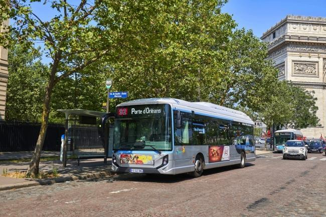IVECO BUS has won a tender to supply the Parisian public transit authority with 180 electric buses.
