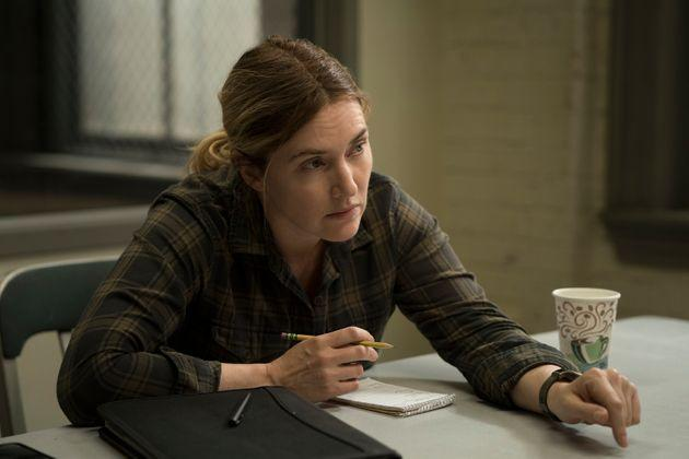 Police detective Mare Sheehan (Kate Winslet) investigates a murder and a series of missing persons cases involving young women in HBO's limited series