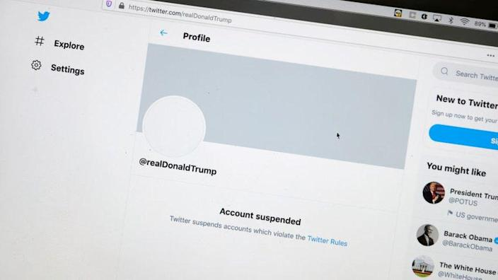 Twitter page showing Trump's account suspended