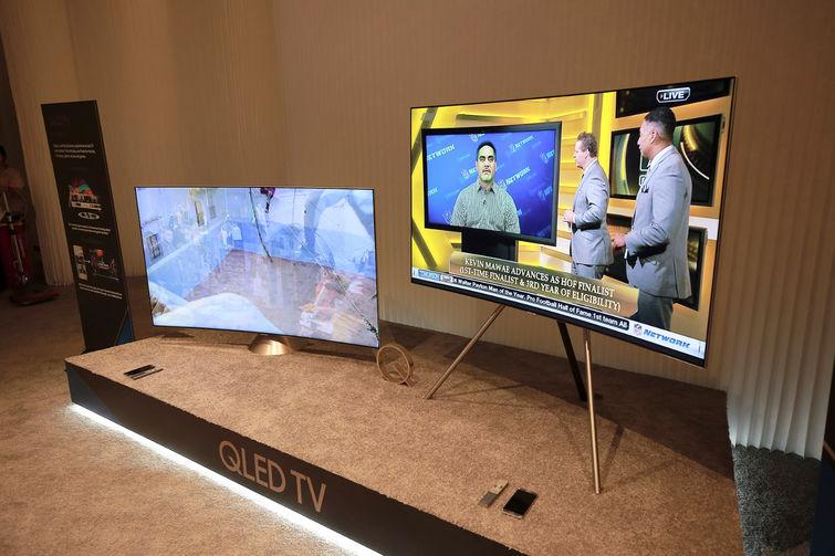 Samsung S Qled Tvs Give Lg Oled Real Competition