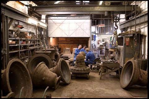 Moulders finishing the cores ready for casting, Jubilee memorial bells made at Whitechapel Bell Foundry - Credit: Telegraph