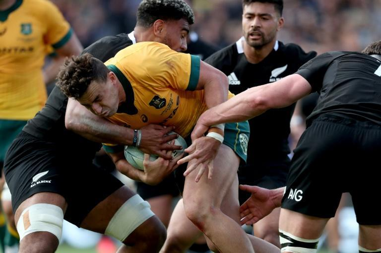 Hoskins Sotutu (L) will make his first start for New Zealand