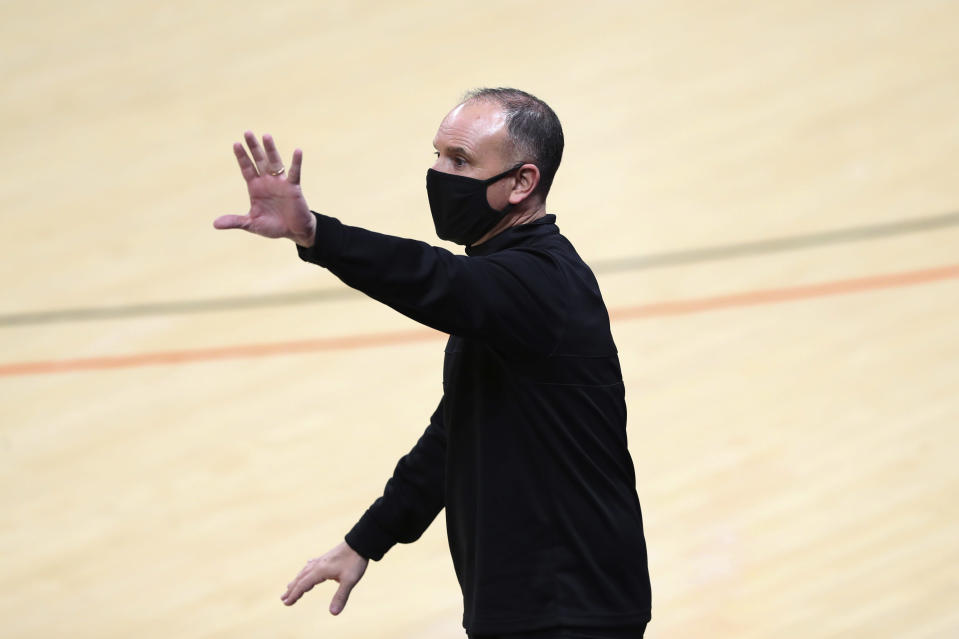 Oregon State coach Scott Rueck yells instructions to players during the second half of an NCAA college basketball game against Stanford in Corvallis, Ore., Saturday, Feb. 13, 2021. (AP Photo/Amanda Loman)
