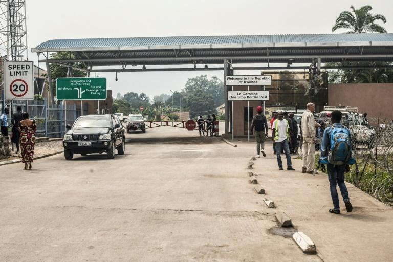The crossing point to Rwanda at Goma was deserted Thursday (AFP Photo/Pamela Tulizo)