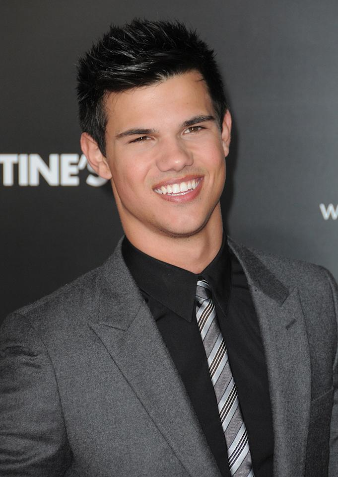 "<a href=""http://movies.yahoo.com/movie/contributor/1808598632"">Taylor Lautner</a> at the Los Angeles premiere of <a href=""http://movies.yahoo.com/movie/1810094501/info"">Valentine's Day</a> - 02/08/2010"