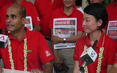 Candidates from the SDP respond to criticisms made by ministers from the ruling People's Action Party. (Yahoo! photo/ Faris Mokhtar)
